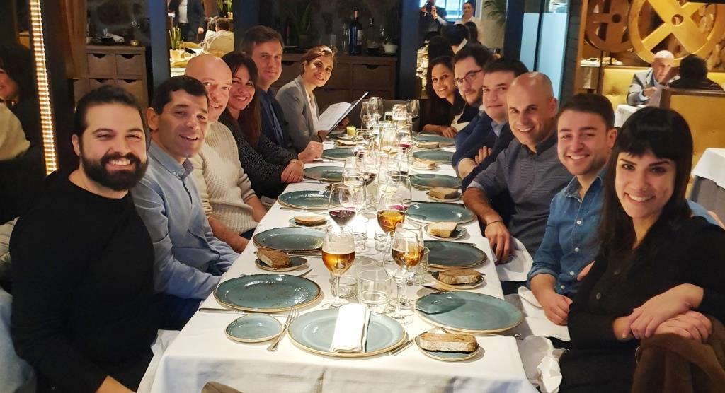 Imagen del almuerzo celebrado el 24 de enero, donde se reuniroen diferentes ponentes de Géiser Foro de Innovación y Empresa Responsable_Comunidad Géiser